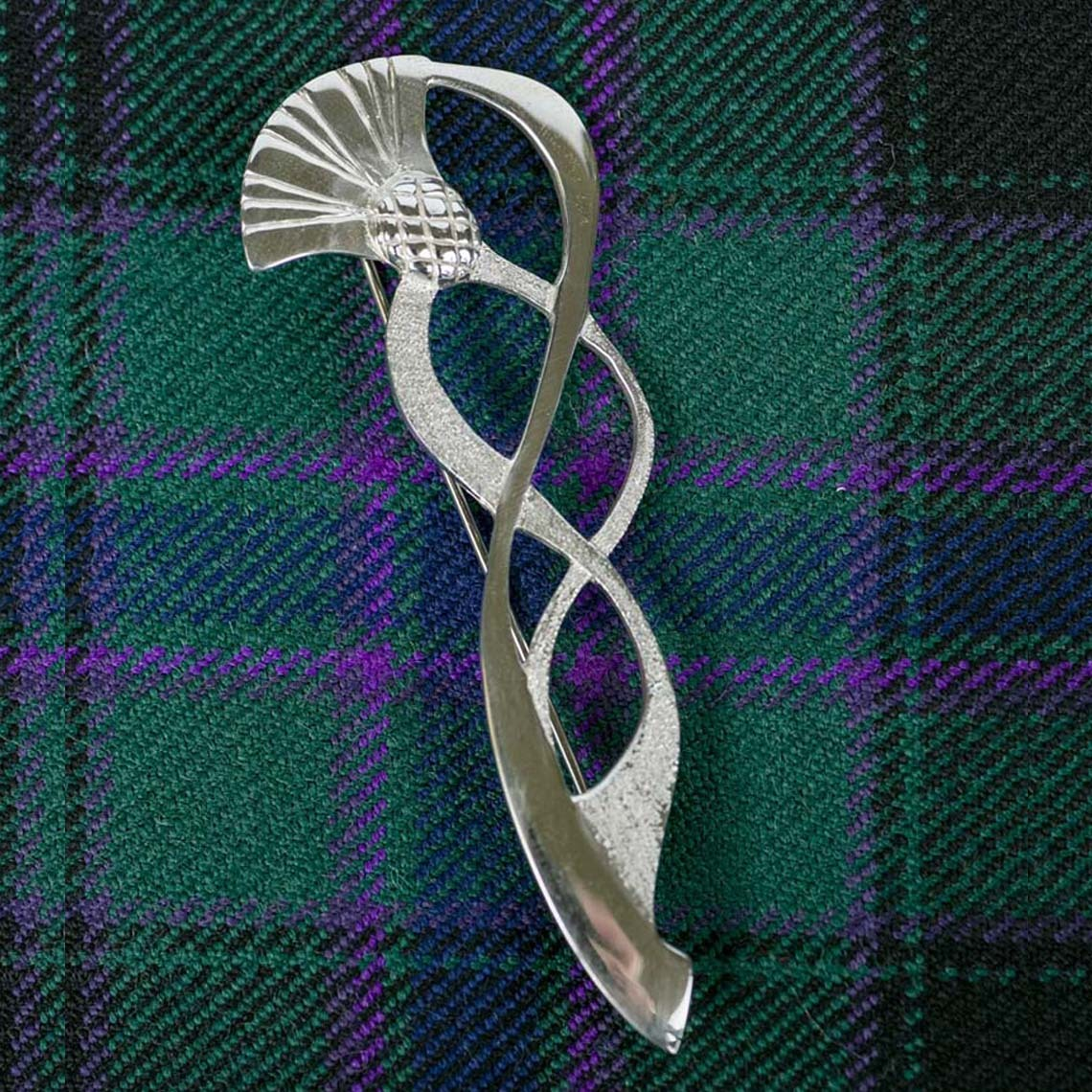 Sweeping Thistle Kilt Pin