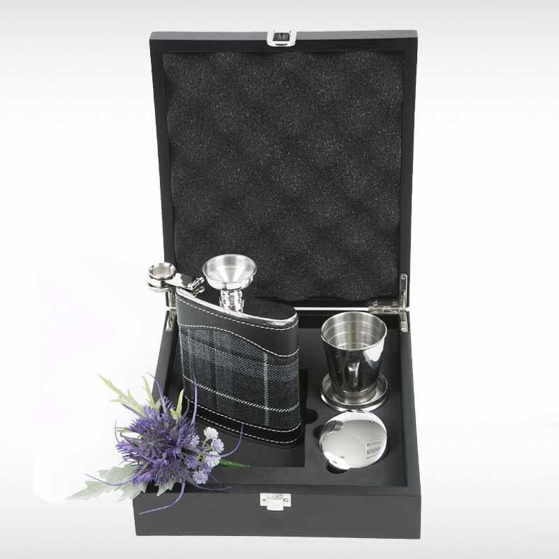 Granite Pride Hip Flask Set